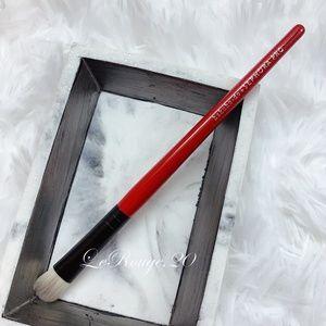 Hakuhodo + Sephora PRO angled eyeshadow brush